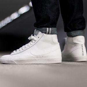 (RARE) NEW Nike Blazer Mid Premium Vintage White